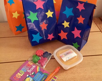 Star Themed Activity Party Bag (themed crayons, bubbles, colouring book and happydough pot).