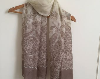 Beautiful beige paisly print scarf