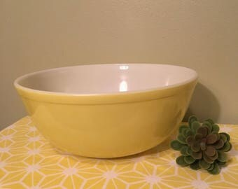 Yellow Pyrex Mixing Bowl 404 4 Quart