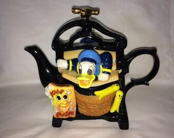 Disney Cardew Design Donald Duck Large Mangle Teapot