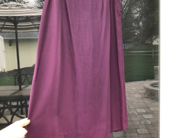Vintage 1940's Plum Purple Skirt with Back Pleats.