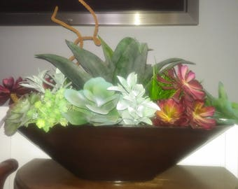 Succulent foyer planter