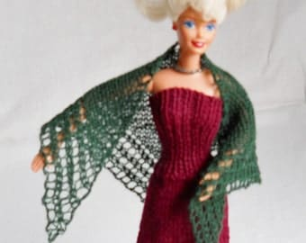 green hand knit lacy shawl for 11 1/2 inch fashion doll
