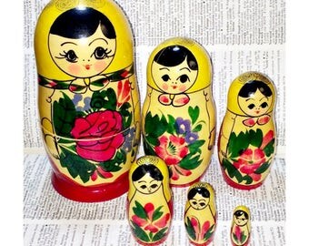 Matryoshka Russian Nesting Dolls 6-Doll Vintage Hand-Painted Made in Russia