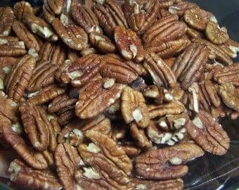 Pecan from Southern Oregon USA - small family farm - 12 ounces or 3/4 pound - buy one get one with free shipping - pecan halves half shelled
