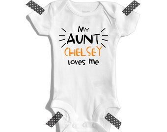 My aunt loves me - I love my aunt - Baby shower gift - My auntie loves me - Personalized baby bodysuit - Customized baby shower gift Aunt