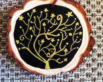 Christmas star tree, chalkboard wood slice decoration, gold and black.