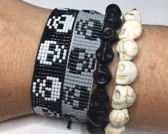 Skull bracelet, Halloween bracelet, seed bead bracelet, beaded friendship bracelet, Halloween Jewelry