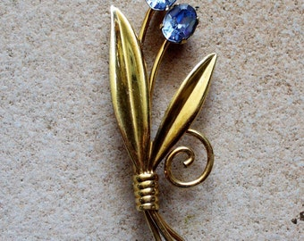 Rare Vintage Van Dell Gold Brooch With Blue Crystals