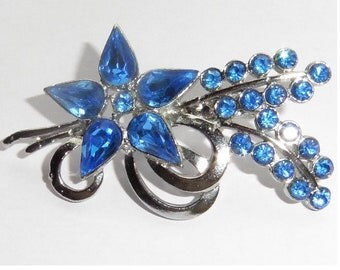 Vintage Sparkly Blue Stone Flower Brooch