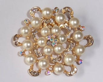 Gold Plated Faux Pearl and Rhinestone brooch