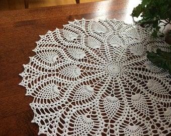 Crochet Doily; White Pineapple doily; Pineapple Doily; Round Pineapple Doily; White Doily; Handmade Doily; Table Centerpiece