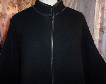 A very nice vintage ELECTRA, France, black cape