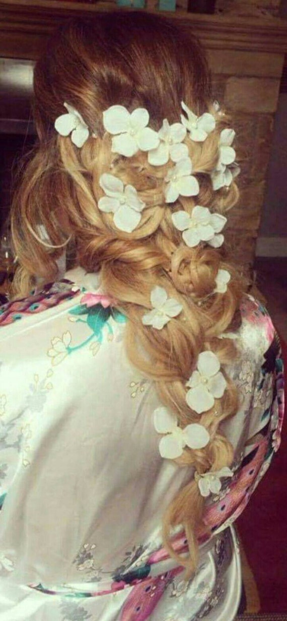 Long flower hair vine / Bridal hair vine /pearl and flower long hair vine /