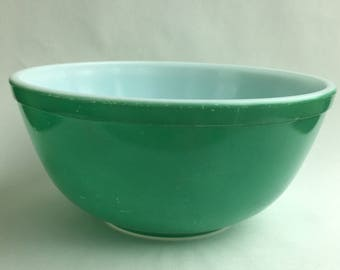 Green Pyrex 403 Primary Set 2.5 Quart Bowl