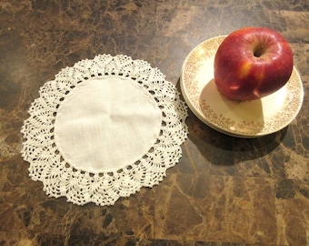 Vintage crocheted round doily, White linen, Home decor