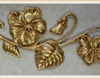 1 piece raw brass pansy vine flower scroll victorian embellishment ornament E0086