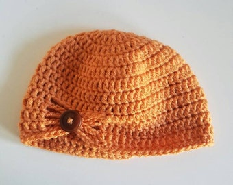 Beanie with button accent