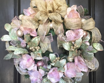 Magnolia Christmas Wreath ~ Christmas Wreaths  ~ Holiday Wreaths ~ WREATHS ~ DOOR WREATH ~ Christmas Decorations ~ Front Door Wreath