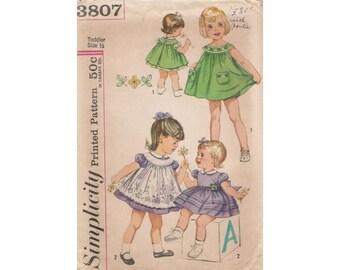 1960's Simplicity 3807 Toddler Dress, Pinafore & Panties Vintage Pattern Size 1/2