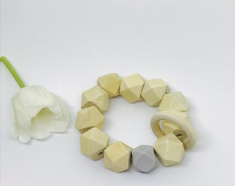 Baby teething toy with wood and silicon beads