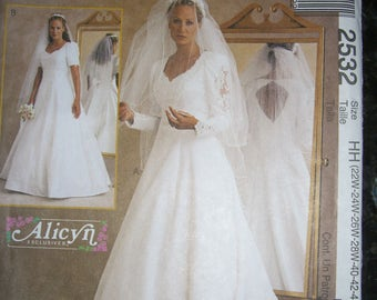 McCall's 2532 Wedding Dress  Size 22w,24w,26w,28w  1999