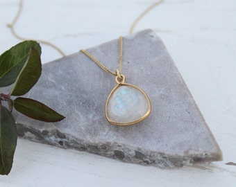 Necklace Sterling silver gold plated with Moonstone
