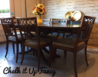 Table with 6 matching chairs