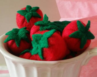 strawberries and felt for dinette cake toys
