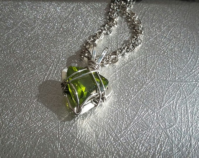 6ct Apple Green Trillion Cut Arizona San Carlos Peridot necklace in sterling silver