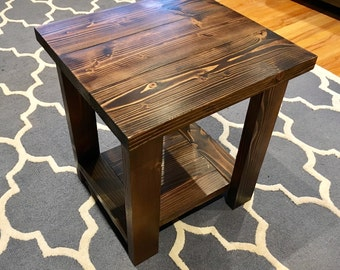 Lovely Farmhouse Rustic Side Table