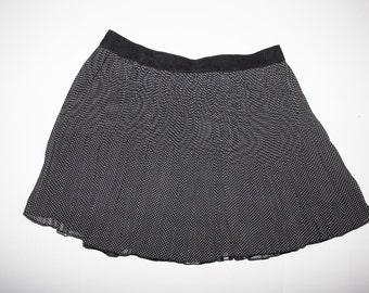 Polka dot pleated skirt with elastic waist