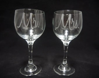Mr and Mrs Wine Glass Set ***Clearance***