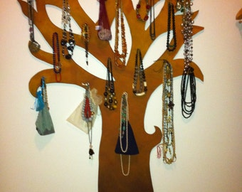 Trees brings necklaces