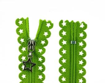 1 zip with stars 25cm light green
