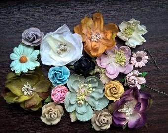 Set: 17 Antique Style Textiles Paper Flowers