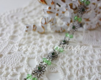 Vintage Lizpaiacios Bracelet / Light Green Crystal Flower