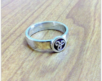 Celtic Triskele Ring, Triple Spiral Jewelry, 3 Spiral Swirl, Celtic Triskelion, Sterling Silver, Oxidized Black