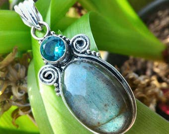 Labradorite, genuine very powerful protection stone, increases clairvoyance
