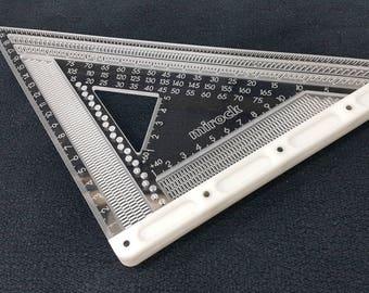 Mirock Square Metric Plastic 206mm