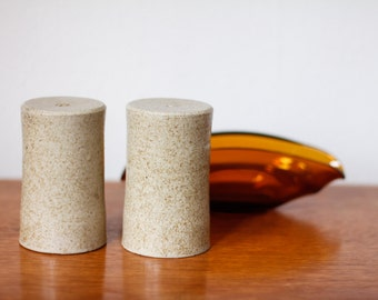 Salt & pepper shaker set in ceramics - vintage J U - unique shape