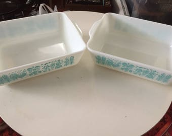 Set of Two Vintage Pyrex Amish Butterprint Turquoise and white Refrigerator Dish 0503