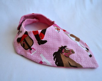 Slobber cloth horse on pink