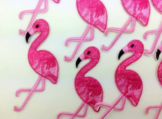 1 Pcs Pink Flamingo Bird Animal Iron On Patch Embroidered Applique Sewing Patch Clothes Stickers Garment DIY Apparel Accessories