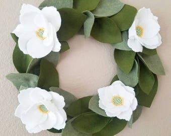 Felt Magnolia Wreath/Spring Wreath/ Summer Wreath/felt wreath/magnolia/holiday gift idea/holiday