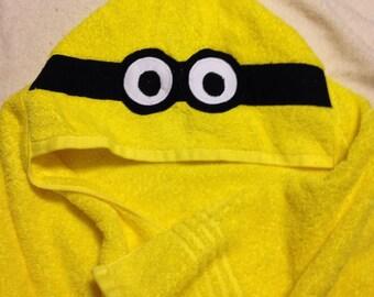 Minion Hooded Bath Towel
