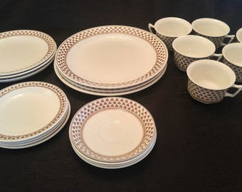 "21 Piece ADAMS ""Sharon"" Brown Clover DINNERWARE plates, salad plates, cups, bowls"