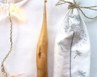 Hand carved crochet hook from English Oak, artisan craft supplies, perfect gift 3.5mm