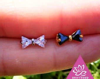 1 pcs helix lobe ear jacket screw behind titanium butterfly node size 4X8mm diament oxyde de zirconium minimaliste géométrique Stud ligne