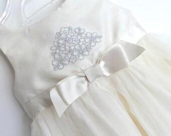 Baby dress, Baptism Dress, Christening Dress, pretty babies dress, Christening Gown, Communion Dress, Tiny baby dress.